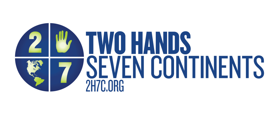 2 Hands 7 Continents Logo
