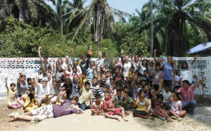 Group picture of Holland students in Thailand on a Thailand community service trip.
